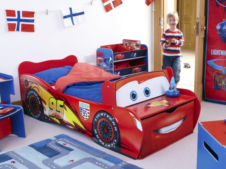 Un lit et un matelas adapte a votre enfant guide d39achat for Stickers chambre enfant avec mal de dos et matelas